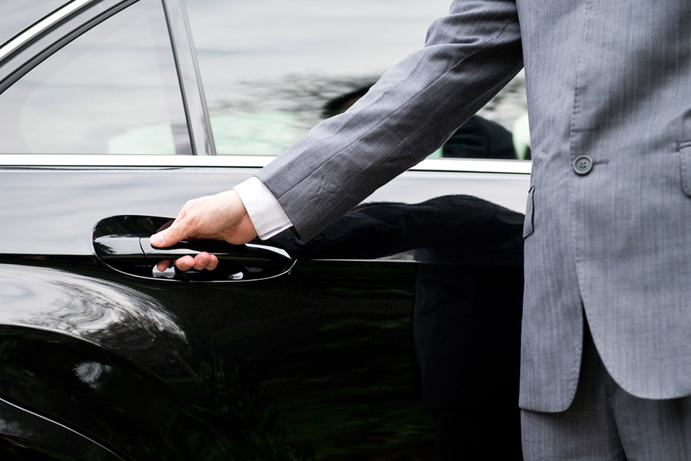 5 Qualities of a Professional Chauffeur That Will Make You Hire One